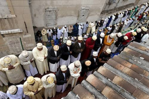 © Ed Kashi/VII - Camorians gather at the Mosque of Gaillard/Felix Pyat for Friday prayers in Marseille, France on Sept. 17, 2010.
