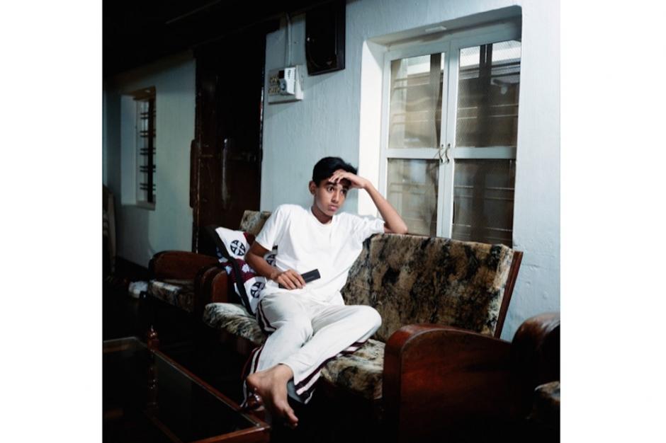 © Olivier Culmann / Tendance Floue, Watching TV, India, 2005